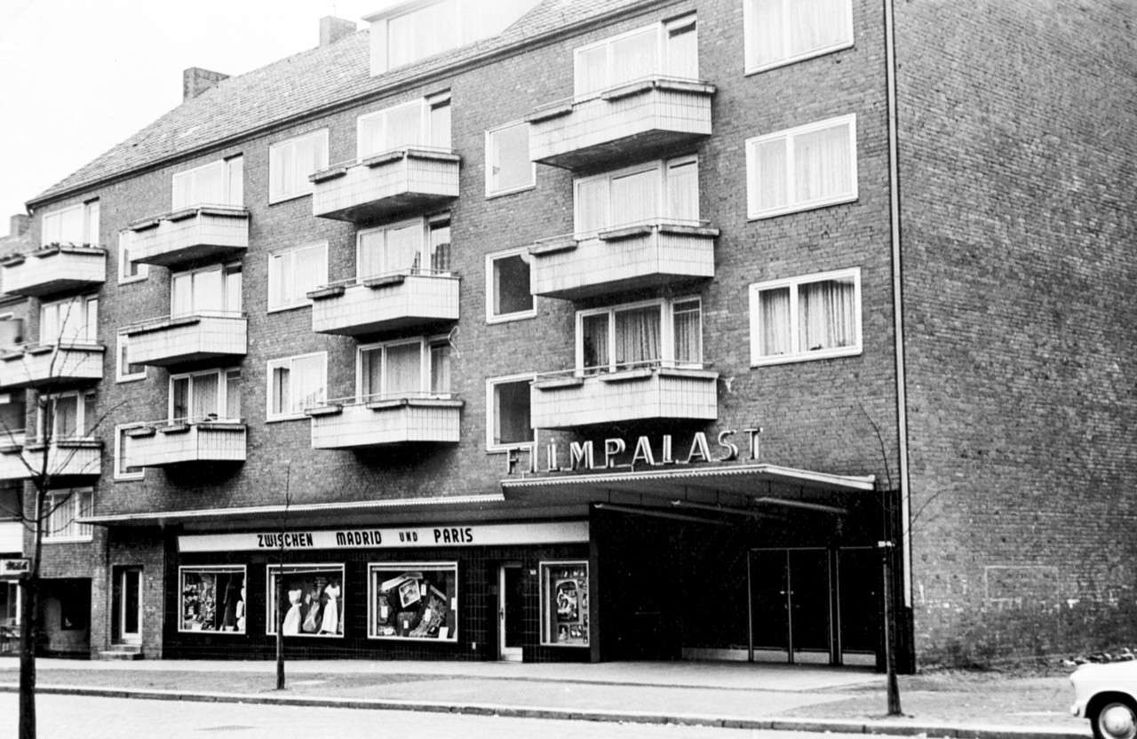 Filmpalast-in-der-Marienthaler-Strae-1958